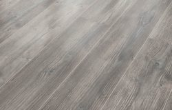 Laminate 8mm, Logne pine AC4/32 V4 (72 m2), Made in Germany, ΑΠΟ € 16,50 ΜΟΝΟ €13,40/m2.