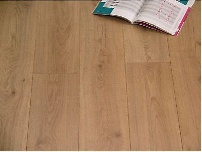 Laminate 12mm oak brown v4 Μόνο €15,6/μ2