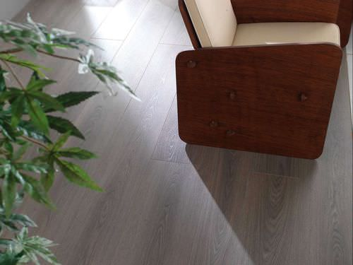 JF385, Laminate Natur oak  8mm ,V4