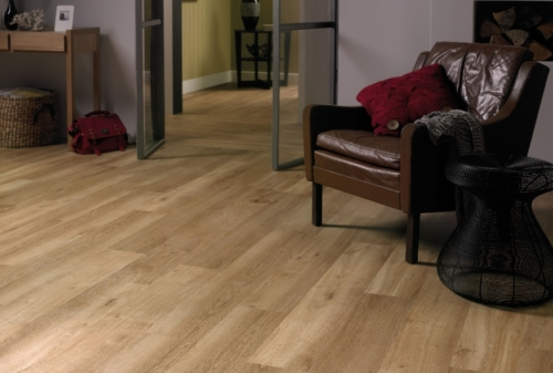 JE627373 Laminate Oak Sienna 7mm, AC3/31.  Από €10,40/m2 Μόνο €7,90/m2+ΦΠΑ
