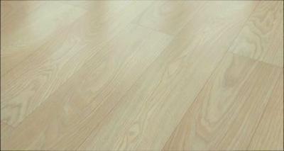 JE696482 Laminate oak cream 8mm με αρμό V4. Μόνο €14,9/μ2 με τοποθέτηση
