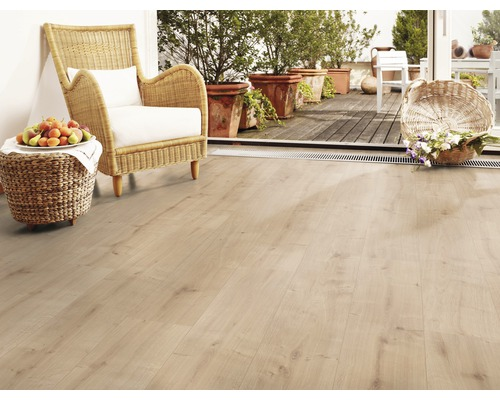 JE232252 Laminate Sheer oak 8mm, V4, AC4/32 από €13,90 μόνο €10,90/m2!